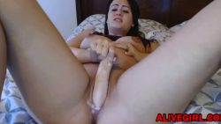 Horny pregnant babe Electra94 plays with a wet pussy & cums