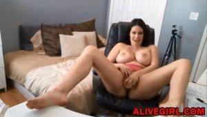 Horny housewife RachelStormsxxx exploring her wild side on live cam