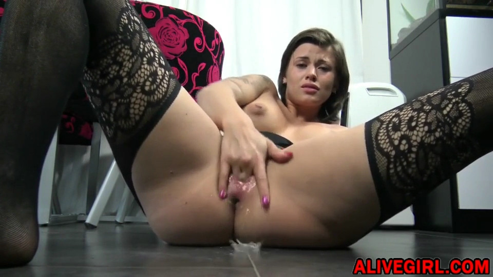 Cute squirter DaisyLynn loves smoking and assfucking at the same time