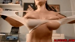 Busty fitness model Samantha with beautiful eyes and dirty mind