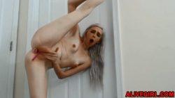 Petite flexible Remi fucks her skinny ass